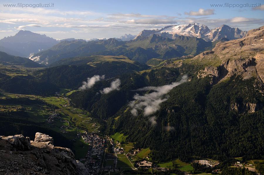Dolomiti,Val Badia.Vista su Corvara dal Sassongher