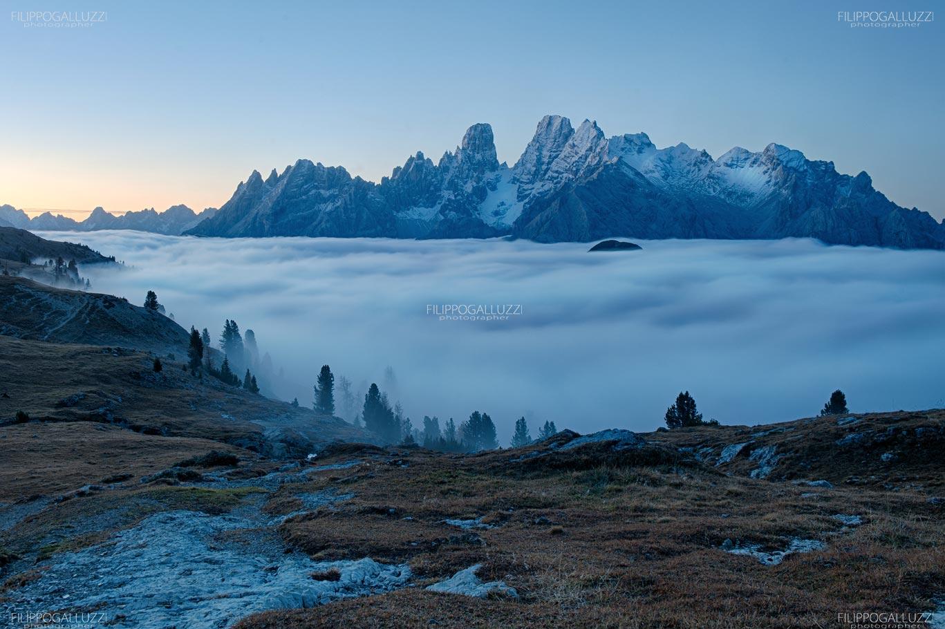 Alto Adige, il monte Cristallo emerge dal mare di nubi, Alta Pusteria