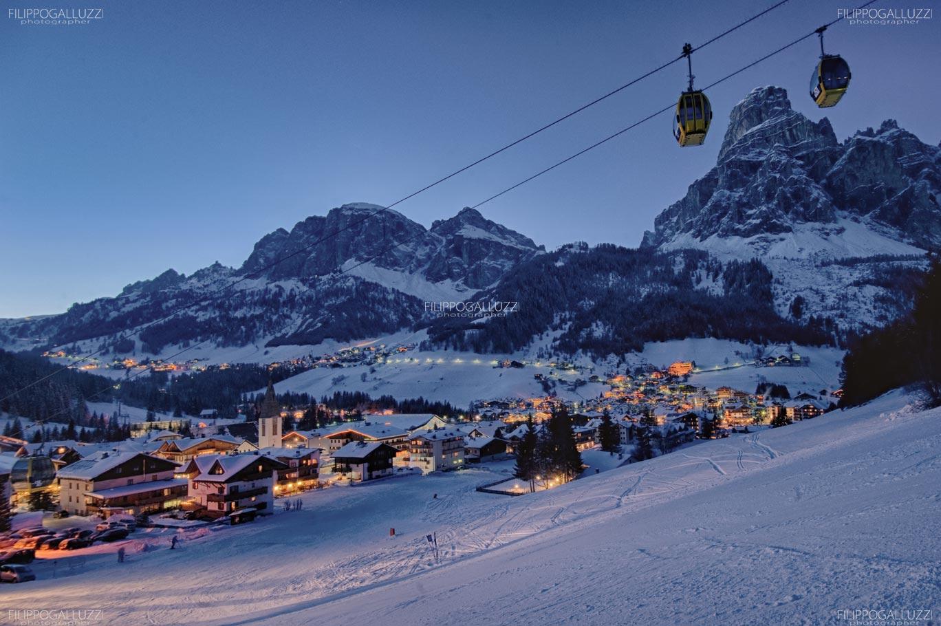 Dolomiti, vista notturna su Corvara, Alta Badia