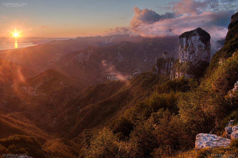 Alpi Apuane, monte Procinto, tramonto sul mar Tirreno