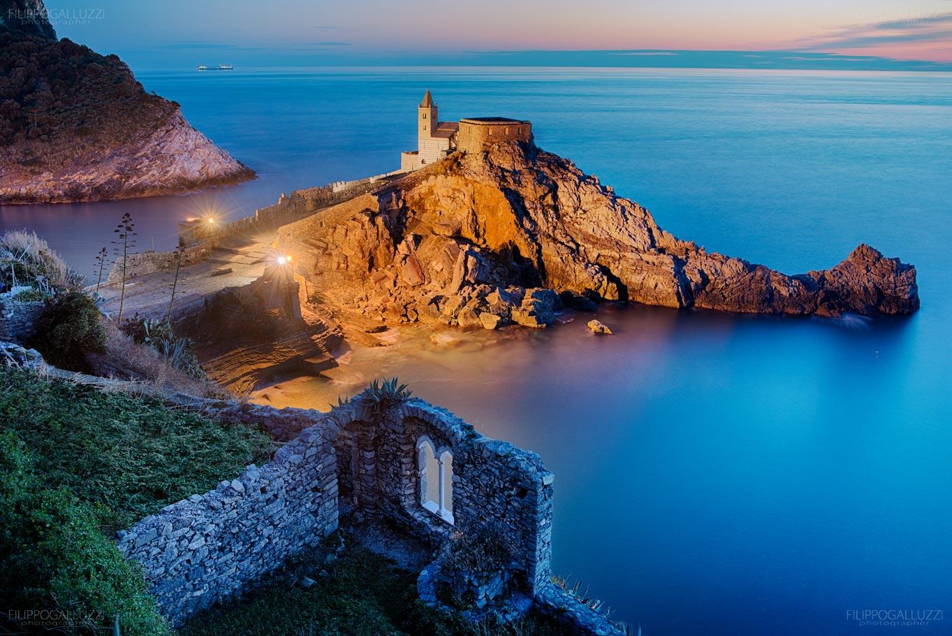 Liguria, meraviglioso tramonto a Portovenere